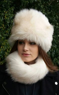 Beautiful Cream Faux Fur Hat with Cosy Polar Fleece Lining 55192339cff1