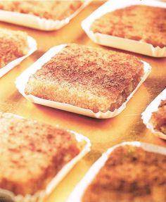 BIZCOCHOS BORRACHOS DE GUADALAJARA CON Thermomix® TM31, una receta de Postres y dulces, elaborada por MARIA JOSE LAZARO MOLINA. Descubre las mejores recetas de Blogosfera Thermomix® Sevilla Remedios Sweet And Salty, Empanadas, Sin Gluten, Kitchen Recipes, Scones, Bread Recipes, Baked Goods, Food And Drink, Sweets
