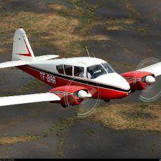 Piper Apache PA-23