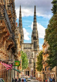 Bordeaux, la cathédrale St Andrée, vue de la rue Vital Carles
