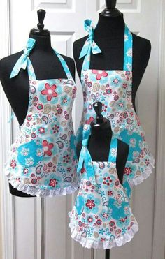 Reversible Mommy & 2 Daughters Retro Apron Set Paisley Flowers and Turquoise with Eyelet, delantales bonitos y coquetos Flirty Aprons, Cute Aprons, Retro Apron, Aprons Vintage, Sewing Hacks, Sewing Crafts, Sewing Projects, Childrens Aprons, Paisley Flower