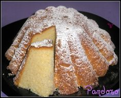 Pandoro, bread flour - of sugar - 3 egg yolks and 2 whole eggs - of water - soft butter - 1 pinch of vanilla - of baker's yeast Italian Pastries, Italian Desserts, Pain Thermomix, Thermomix Pan, Sweet Recipes, Cake Recipes, Bakers Yeast, Venezuelan Food, Victoria Sponge Cake