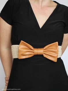 Here's a leather bow belt free sewing tutorial. Learn how to sew a very simple bow that can be slipped on to a premade belt. Fashion Belts, Diy Fashion, Fashion Sewing, Vintage Fashion, Diy Clothing, Sewing Clothes, Sewing Tutorials, Tutorial Sewing, Sewing Projects