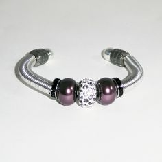 Elegant armbånd i burgunder Pandora Charms, Charmed, Elegant, Bracelets, Jewelry, Design, Fashion, Creative, Classy