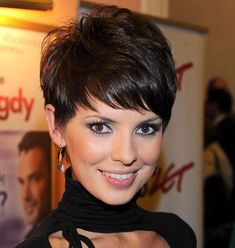 Sassy-Pixie-Cut Best Sassy Pixie Cuts 2019 Creating a new personality is as easy as pie. Just explore our list of the Best Sassy Pixie Cuts 2019 and you will become one of the gorgeous ladies Curly Pixie Hairstyles, Short Pixie Haircuts, Curly Hair Styles, Pixie Wedding Hairstyles, Short Pixie Cuts, Best Pixie Cuts, Undercut Pixie, Curly Short, Pixie Styles