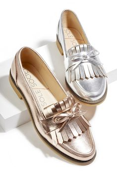 SOLE SOCIETY Metallic fringe & bow loafers in rose gold and silver Cute Shoes, Women's Shoes, Me Too Shoes, Shoe Boots, Flat Shoes, 60s Shoes, Golf Shoes, Daily Shoes, Fashion Shoes