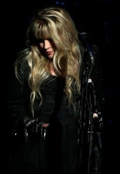 Stevie Nicks an icon. A strong woman with a voice that is a gift from GOD.