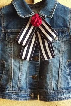 / denim jacket with striped bow and red flower / Ribbon Art, Ribbon Crafts, Ribbon Bows, Look Fashion, Diy Fashion, Women Bow Tie, Mom Style, Refashion, Pretty Outfits