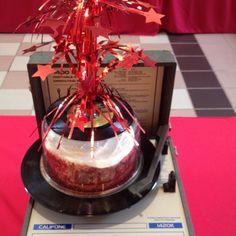 Great cake decoration idea
