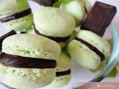 Macaroons, Hamburger, Biscuits, Avocado, Bread, Fruit, Food, Mint, Candy