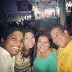 Y asi comenzaron mis navidades a punta de gaita zuliana. #AmanecerGaitero2013 #Eventos #Navidad2013 #Concerts #GaitaZuliana #Christmas