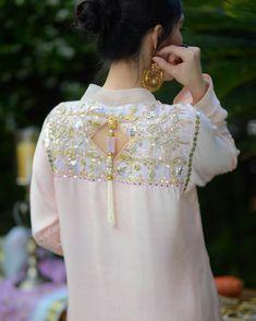 Simple Pakistani Dresses, Pakistani Dress Design, Indian Dresses, Sleeves Designs For Dresses, Dress Neck Designs, Neck Designs For Suits, Pakistani Fashion Party Wear, Pakistani Outfits, Muslim Fashion