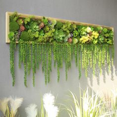 Fresh Green Wall Decoration with Plant Design Green Wall Decor, Plant Wall Decor, Hanging Plant Wall, Tv Wall Decor, House Plants Decor, Flower Wall Decor, Wall Of Flowers, Wall Of Plants, Flower Shop Decor