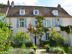 Chateau / Country House vacation rental in Neauphle-le-Château, France from…