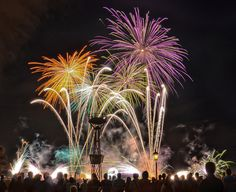 Great fire works photograph!