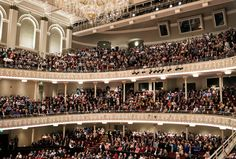 Reopening after a $143 million renovation, which removed a thousand seats, Cincinnati's stately Music Hall offers a model for Lincoln Center.