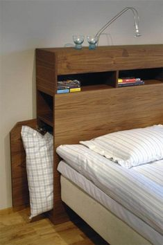 42 Trendy bedroom storage ideas for small spaces apartments bedside tables Small Room Bedroom, Trendy Bedroom, Bedroom Bed, Bedroom Furniture, Home Furniture, Furniture Design, Bedroom Decor, Bedroom Ideas, Small Rooms