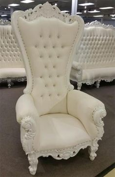 Royal Furniture, Home Decor Furniture, Luxury Furniture, Bedroom Furniture, Throne For Sale, Living Room Sofa, Living Room Furniture, Queen Chair, Glam House