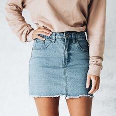 Adore this mini skirt!
