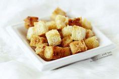 Kruton, azaz pirított kenyérkocka házilag Cereal, Breakfast, Ethnic Recipes, Food, Breakfast Cafe, Essen, Yemek, Meals