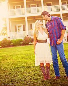Blake Shelton and Miranda Lambert cute celebrities music outdoors country married