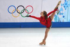 JO Sotchi - Février 2014 - La patineuse russe Julia Lipnitskaia, âgée de 15 ans, en a impressionné plusieurs lors du programme libre féminin de patinage artistique en équipe, le dimanche 9 février.