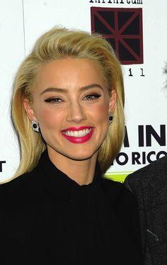 Amber Heard Makeup - Pink Lips Blonde Beauty, Blonde Hair, Hair Beauty, Blonde Makeup, Amber Heard Makeup, Amber Heard Photos, Bright Lips, Makeup For Blondes, Blonde Women