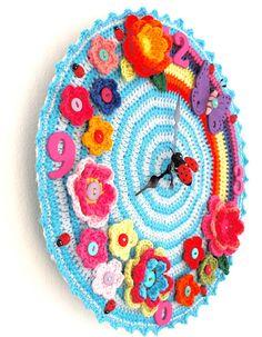 My crochet clock! accordingtomatt.blogspot.com This is great!!!