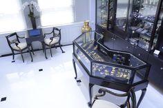 Nally Jewels Showroom by Display Smart, New York City » Retail Design Blog