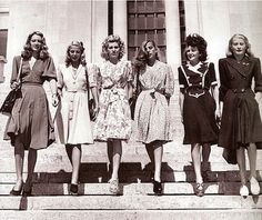 1940 was a good time for dresses apparently. http://media-cache2.pinterest.com/upload/172755335675642023_SEKptiXr_f.jpg nickey vintage love black and white