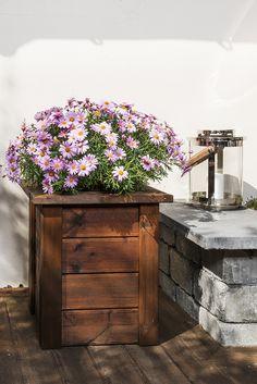 Enkel blomsterkasse av terrassebord og MULTIstolper - lag den på 1-2-3
