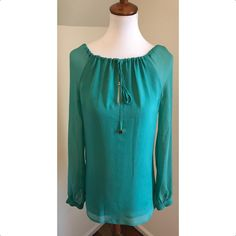 Tory Burch N * W * T $80 Size 0 ** Free Shipping ** Green Silk Sophie Tunic Top. Free shipping and guaranteed authenticity on Tory Burch N * W * T $80 Size 0 ** Free Shipping ** Green Silk Sophie Tunic TopDETAILS: Wide neckline with drawstring closure L...