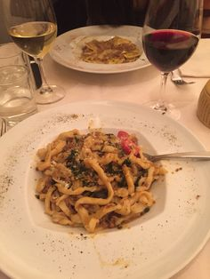 Perfect Italian pasta Romantic Dinner Tables, Snap Food, Breakfast Lunch Dinner, How Sweet Eats, Lunches And Dinners, Soup And Salad, Fine Dining, Italian Pasta, Delish