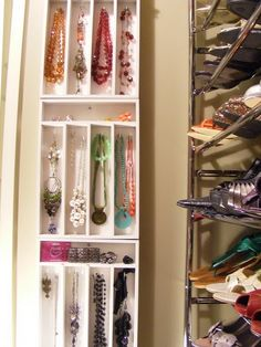 amazing idea for jewelry in a small closet like mine =D
