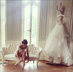 French Ballerina Bridal Boudoir Shoot by Elle Ellinghaus Designs  with CJK Visuals, XOXO Vintage Rentals, Garnish Boutique, Cylburn Arboretum, Behind the Veil Beauty