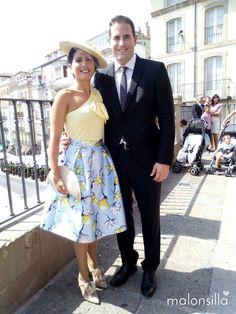 Noemí de boda con canotier de ala ancha Argentina y bolso abanico en Vitoria. Complementos by malonsilla.