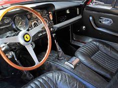 1964 Ferrari 330 GT 2+2 | Series I | Colombo V12, 3,967 cm³ | 300 bhp | Design: Tom Tjaarda, Pininfarina