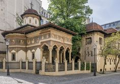 25 Best Things to Do in Bucharest (Romania) - The Crazy Tourist Stuff To Do, Things To Do, Romania Travel, Little Paris, Next Holiday, Beautiful Places In The World, Stock Foto, Tourism, Places To Visit