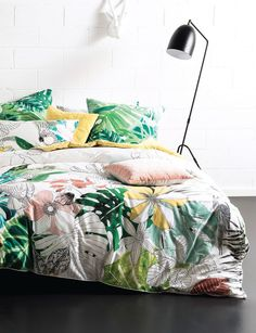 Nz tropical duvet cover set exotic tropical bedroom pinterest 6 dorm room decor themes that get an a via brit co gumiabroncs Gallery