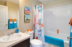 The Octic - Main Bathroom, showhome in Walker Summit Morrison Homes, Luxury Estate, Neutral Paint, Home Builders, Townhouse, Small Spaces, Photo Galleries, New Homes, Vibrant