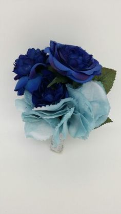 Corsage in blue and lt. blue color.