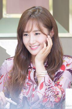 えりさ Sooyoung, Yoona, Snsd, Kpop Girl Groups, Korean Girl Groups, Kpop Girls, Yuri Girls Generation, Korean Girl Band, Kwon Yuri