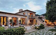 Modern Mediterranean 30 Mediterranean Style Homes, Spanish Style Homes, Spanish House, Mediterranean House Exterior, Mediterranean Architecture, Spanish Colonial, Tuscan Style Homes, Spanish Architecture, Spanish Revival