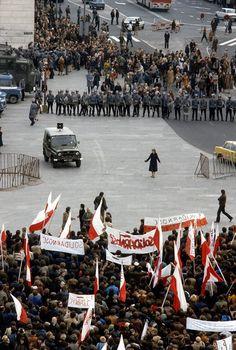 Plac Zamkowy, 3 maja, Solidarność demonstruje, stan wojenny 1982