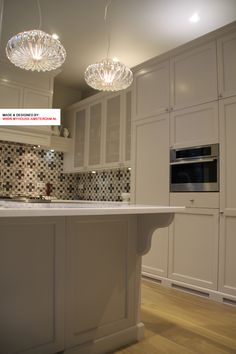 Custom made kitchen, this beautifull kitchen design is made in classic style with eye for detail. Kitchen design & Interior design Amsterdam. Maatwerk keukenontwerp.