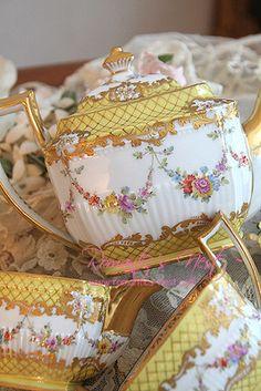 Dresden Floral teapot set
