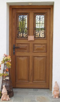 Front doors, entrance doors, country house doors, interior doors, box windows and wood Source by Front Door Entrance, Entry Doors, Privacy Screen Outdoor, Farmhouse Remodel, House Doors, Small Windows, Interior Door, Detached House, Modern Farmhouse