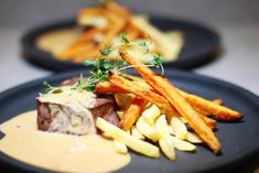 Tournedos med med Bristol Cream-sås & pommes frites   Catarina Königs matblogg Food From Different Countries, Come Dine With Me, Dessert For Dinner, Types Of Food, Fine Dining, Wine Recipes, Bristol, Pesto, Good Food