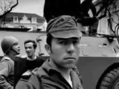 """▶ """"Grândola, Vila Morena"""" - Zeca Afonso @ Revolução dos Cravos, 25 de Abril de 1974 - YouTube Portugal, Santiago Do Cacem, All About Music, Carnations, Soundtrack, Revolution, Che Guevara, Music Videos, Youtube"""