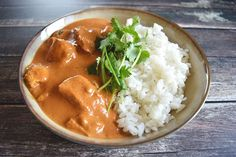 A spicy chicken tikka masala with homemade masala paste, white rice and cilantro. Also easy to make less spicy. Low FODMAP, gluten-free and lactose-free.